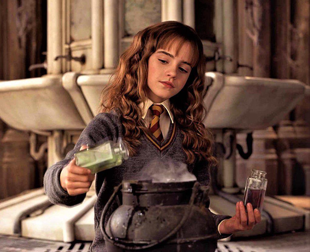 دانلود فیلم Harry Potter and the Chamber of Secrets
