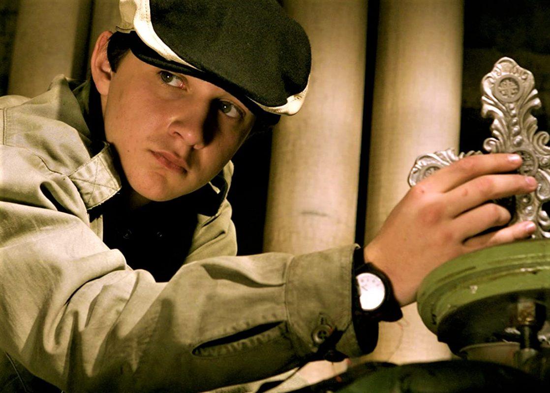 دانلود فیلم کنستانتین Constantine 2005 با دوبله فارسی